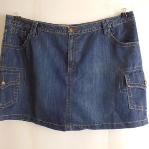 52076..Faded Glory Jean Skirt Size 26W
